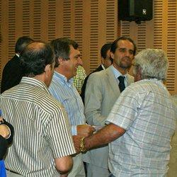 Entrega de materiais de construção a 50 famílias do concelho do Funchal